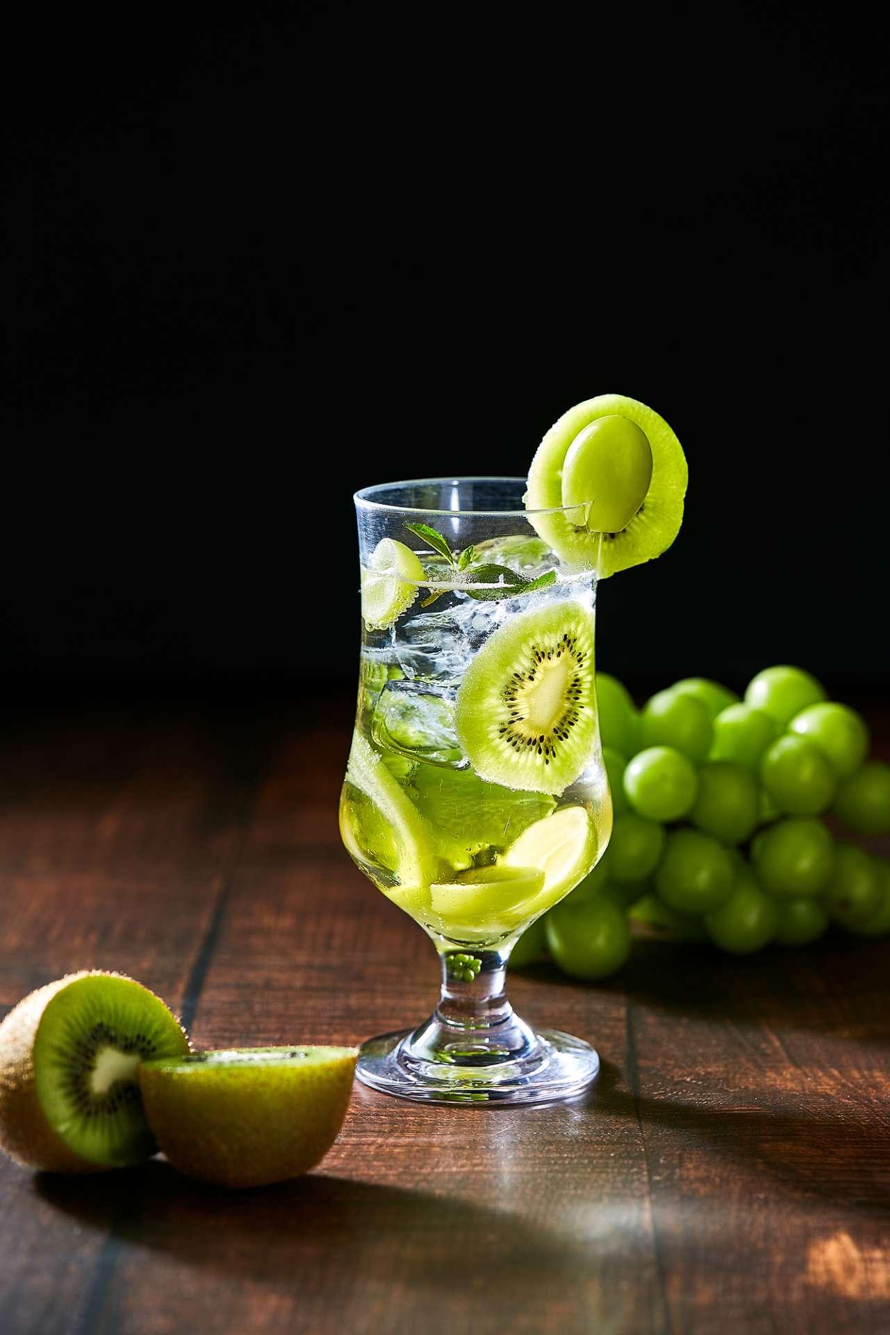 マスカットとキウイのビネガーソーダ<br>Muscat & Kiwi Vinegar Soda