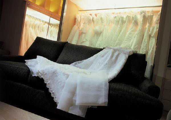 桂由美フランチャイズ ドレスショップ